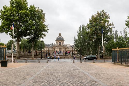 Vue sur le Pont des Arts depuis le Louvre