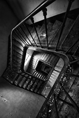 {Urbex} Hopital Plaza - l'escalier (Julien Cornette) Tags: plaza staircase hopital escalier urbex