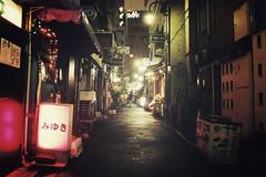 Tokyo + Golden Gai | Japan, July 2014 (Sebastien BERTRAND) Tags: city japan canon tokyo streetphotography goldengai streetphoto  japon ville photoderue eos40d canon40d fotomato sebfotomato sbastienbertrand sebastienbertrand