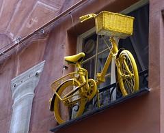 Parcheggio in via Pia :) (fotomie2009) Tags: yellow riviera liguria via bici pia decorazione ligure savona ponente