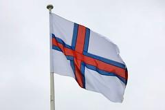 Merkið (Brian Aslak) Tags: bandeira europe flag bandera scandinavia fahne faroeislands drapeau tórshavn føroyar færøyene færeyjar lippu merkið streymoy îlesféroé フェロー諸島 fäärisaared