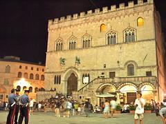 Nightshift (Fabrizio Frescura) Tags: novembre jazz piazza palazzo iv perugia dei umbria priori