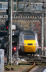43 317 tails 43 305 1S11 1000 Kings Cross - Aberdeen as it eases out of Kings Cross (1000) Monday 1st April 2014 (Colin.P.Brooks Railway Photography & Frinton) Tags: kingscross eastcoast mtu hst class43 ic125 londonkingscross hsthighspeedtrain eeastcoastmailline