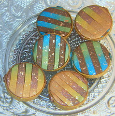 Stripes and copper chips (klio1961) Tags: blue original green beautiful glitter festive golden diy necklace beads handmade metallic unique oneofakind jewelry polymerclay fimo clay bracelet faux glowing imadethis everyday madebyme authentic imadeit lightblue artesania cernit vividcolors abalorios unico glittering joyas premo hechoamano handmadebeads arcillapolimerica focalbeads xantres kosmimata braxiolia xeiropoiito diaxeiros lentilebeads vtaxiolia