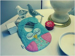 BaBaDoR CoRuJa (DoNa BoRbOlEtA. pAtCh) Tags: baby handmade application owl beb patchwork applique corujas babador quiltlivre bordadomo donaborboletapatchwork denyfonseca