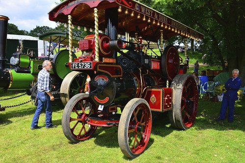 Woolpit Steam Rally, Steam Engines, Robey Showmans Tractor 4NHP 1924
