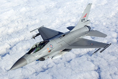 674_F-16FightingFalcon_NorwegianAF_A2A (Tony Osborne - Rotorfocus) Tags: norway force general air royal norwegian f16 falcon fighting viper dynamics airtoair fokker 2014 f16a mlu