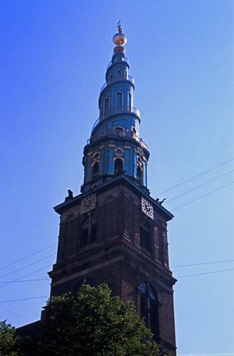 """393DK Vor Frelsers Kirke • <a style=""""font-size:0.8em;"""" href=""""http://www.flickr.com/photos/69570948@N04/15300449086/"""" target=""""_blank"""">View on Flickr</a>"""