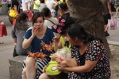 Snack time (jubirubas) Tags: china shanghai
