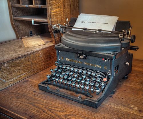 old typewriter (1 of 1)