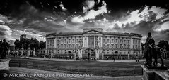 The Palace in B&W (Michael Pancier Photography) Tags: uk travel vacation england london unitedkingdom gb travelphotography commercialphotography naturephotographer michaelpancierphotography landscapephotographer fineartphotographer michaelapancier wwwmichaelpancierphotographycom summer2014