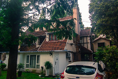 新华路建筑 | House on XinHua Rd. (Owen Wong (Thank you)) Tags: house buildings shanghai villa 上海 residence 建筑 住宅 别墅 老房子 changning 老宅 长宁区 新华路 xinhuard