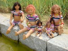 Pack die Badehose ein, nimm Dein kleines Schwesterlein ... (Kindergartenkinder) Tags: strand reki dolls sommer annette kindra strandbad tivi olfen himstedt kindergartenkinder leleti sanrike naturbadolfen doppelleleti