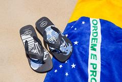 Brazil (maxunterwegs) Tags: brazil praia beach brasil strand sand state florianpolis towel brasilien florianopolis havaianas toalha santacatarina handtuch brsil praiademoambique praiadomoambique