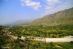 IBB (المصور أنس الحاج) Tags: boy portrait canon landscape yemen sanaa taiz مناظر ابداع أطفال اليمن تعز صنعاء وطن براءة canon6d انسانية buildings oldsanaa beautifulview أنسالحاج