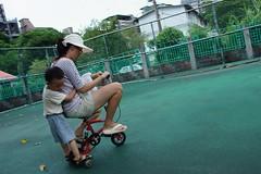 DSC03075 (小賴賴的相簿) Tags: family baby kids zeiss children day sony taiwan childrens taipei 台灣 台北 親子 暑假 木柵 景美 孩子 1680 兒童 文山 a55 anlong77 小賴家 小賴賴的家 小賴賴