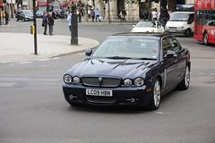 Xj Executive V6 Tdvi (kenjonbro) Tags: uk blue london westminster diesel trafalgarsquare jaguar jagu executive 2009 charingcross v6 sw1 xj worldcars tdvi kenjonbro 2720cc canoneos5dmkiii kencorner canonzoomlensef9030014556 lc09hbn