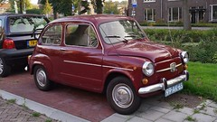 Fiat 600 (sjoerd.wijsman) Tags: auto red holland cars netherlands car fiat nederland thenetherlands delft voiture 600 vehicle holanda autos rood paysbas olanda fahrzeug niederlande zuidholland fiat600 onk carspotting redcars carspot cwodlp sidecode3 99ak65