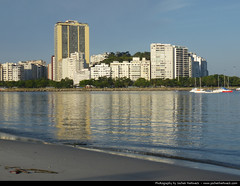 Flamengo seen from Praia Botafogo, Rio de Janeiro, Brazil (JH_1982) Tags: brazil praia beach rio brasil ro de janeiro brasilien da botafogo morro brasile flamengo brsil brazili  brezilya  brazylia viuva viva