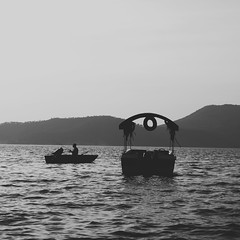 (Daniel Iván) Tags: lake lago sunset atardecer méxico mexico mexique blancoynegro blackwhite blackwhitephotography blackwhitephoto blackandwhite blackwhitephotos square cuadrada fotografíablancoynegro water agua people personas pescador fisherman latinoamérica latinamerica landscape paisaje