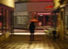 .............. (four-hearts) Tags: schnee regenschirm schirm rot farben mensch person nacht nachtmensch winter