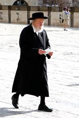 Firme y enrgico (Juan Pedro Gmez-51) Tags: street israel jerusalem jewish judaism hebrew holyland tierrasanta palestina judo palestinian hebreo jerusaln judasmo