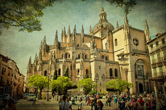 Catedral de Santa Maria (Segovia) (osolev) Tags: espaa architecture photoshop spain arquitectura europa europe catedral ps segovia layer santamaria espagne textured castilla gotico sanfrutos capas renacentista castillayleon cs5 texturizada osolev