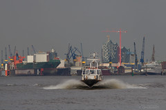 Pilot in a hurry (Hamburg PORTography) Tags: port canon germany deutschland eos harbor ship harbour hamburg transport maritime transportation shipping hafen trade pilot tender elbe seaport handel maritim 2014 schifffahrt lotse schiffahrt elberiver 550d lotsenboot seehafen pilottender lotse3 canoneos550d hoonose68 againstautotagging sgrossien grossien