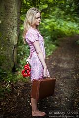 2014_08_17 Tori B 057 (Sendall) Tags: b red rose model longhair jackson louise blonde tori suitcase