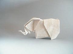 Cambodian Elephant - Fumiaki Kawahata (Rui.Roda) Tags: elephant paper origami papel papier papiroflexia elefante kawahata fumiaki