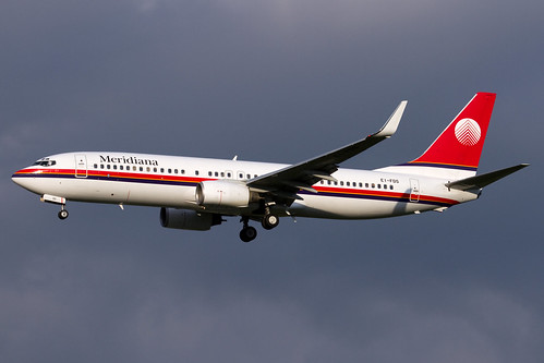 Meridiana_B738_EI_FDS_MXP_20140501_MG_9803_Colormailer_Flickr