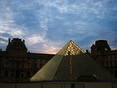 Pyramide du Louvre (JNC973) Tags: paris france architecture sunrise french europe louvre pyramide