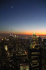 Entardecer em Manhattan (Paulo_Padilha) Tags: newyorkcity sunset usa manhattan empirestatebuilding bigapple topoftherock paulopadilha