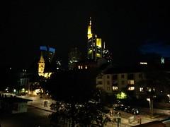 IMG_20140506_215856 (paddy75) Tags: skyscraper brug kerk frankfurtammain duitsland wolkenkrabber eisernersteg commerzbanktower mainkai stleonhardskirche