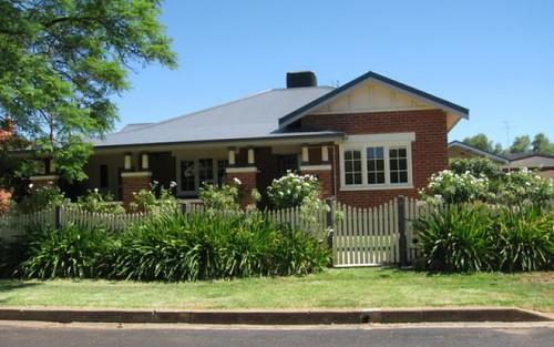 6 Rees Avenue, Parkes NSW