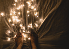 S u f f o c a t i o n      I (Bi' garip mühendis adayı) Tags: light lights feet suffocation photography photo ışık mood feeling feelings white new hisler his fotograf fotoğraf night moody tumblr canoneos1300d canon canoneos blur vintage vintageediting