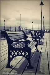 Pier Harwich, UK (DirkJan Ranzijn Photography) Tags: bankje pier harwich essex england uk nikon nikond4 monochrome nikkor nikkor2470 nikonzoomlenses smartphotoeditor romance beautiful