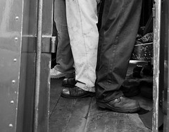 SVR 21274bwcr (kgvuk) Tags: trains railwaystation fireman locomotive railways steamtrain svr steamlocomotive severnvalleyrailway kidderminster enginedriver 462 battleofbritainclass 34053 kidderminstertownstation bulleidpacific sirkeithpark southernlocomotiveslimited