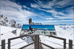 mont blanc viewpoint (heavenuphere) Tags: snow france mountains alps sign clouds alpes landscape europe view climbing alpine viewpoint information chamonix mont blanc 1022mm montblanc gi massif aiguilledumidi hautesavoie rhônealpes chamonixmontblanc téléphériquedelaiguilledumidi