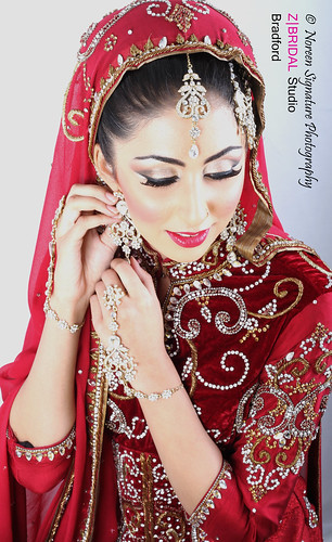 "Z Bridal Makeup Training Academy  66 • <a style=""font-size:0.8em;"" href=""http://www.flickr.com/photos/94861042@N06/14574950058/"" target=""_blank"">View on Flickr</a>"