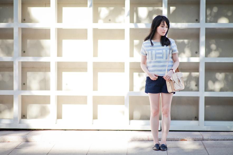 dahlia-stripe-top-cambridge-satchel-uniqlo-shorts-10