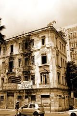 O abandono de Salvador (Brbara Rhelga) Tags: street old cidade brazil brasil sepia town velha bahia salvador contruo