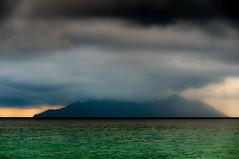 Silhouette (Songkran) Tags: africa indianocean afrika seychelles seychellen indischerozean mahé nikon1802000mmf3556 nikond300s