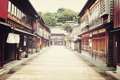 Takayama | Japan, July 2014 (Sebastien BERTRAND) Tags: japan canon streetphotography streetphoto takayama japon photoderue  eos40d canon40d fotomato sebfotomato sbastienbertrand sebastienbertrand