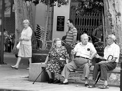 Cambia il vento, cambia il tempo (Pilonga) Tags: vida temps gent tempo parlar persones viure conviure raonar