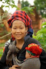11-10-01 Myanmar (1156) R01 (Nikobo3) Tags: travel people portraits nikon asia burma social retratos viajes myanmar birmania nikond200 nikobo josgarcacobo