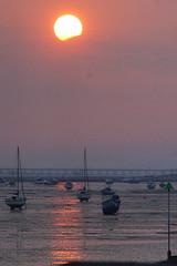 DSC01490 - Southend at Sunset (steve R J) Tags: sunset reflection landscape boats pier southend