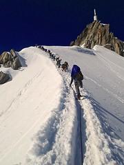 Snow ridge to Aiguille du Midi (Masa Sakano) Tags: france alps scenery climbing mountaineering climber chamonix aiguilledumidi