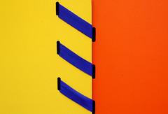 - tirets - Ferm (bruneliberty) Tags: blue orange jaune canon minimal minimaliste