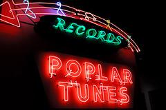 Memphis - Poplar Tunes Neon (Drriss & Marrionn) Tags: usa memphis tennessee recordshop memphistn poplartunes rocknsoulmuseum blinkagain bestofblinkwinners blinkagainsuperstars blinksuperstars bestofsuperstars bluestrail2014